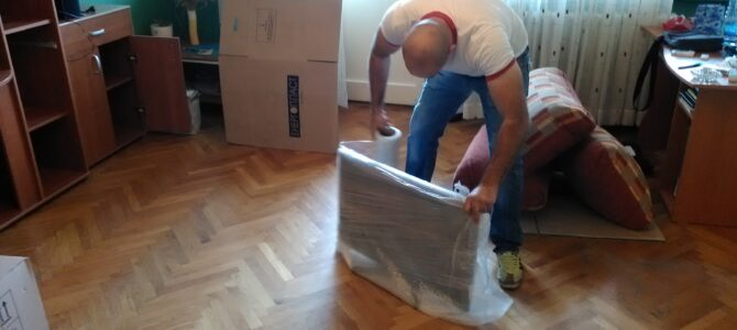 Sakupljanje i pakovanje stvari za preseljenje – kutije, torbe